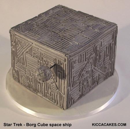 n040-star-trek-cake